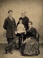 João do Canto e Castro e família (c. 1893).png