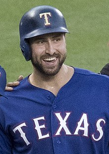 Joey Gallo in 2017 (cropped).jpg