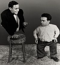 Johnny Eck-Angelo Rossitto in Freaks.jpg