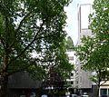 Jonakirche (Berlin) Vorplatz.jpg