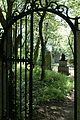 Josefsdorfer Waldfriedhof Tor.jpg