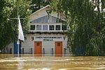 Junkers-Bootshaus im Elbehochwasser.jpg