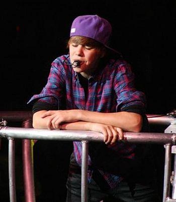 Justin Bieber in concert crop