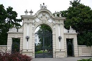 Festetics Palace - Image: Keszthely, Festetics kastely kapu