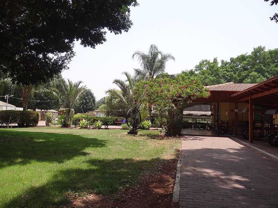 Kibbutz Masada (1)