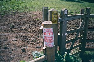2001 United Kingdom foot-and-mouth outbreak - A government notice on the 2001 UK foot and mouth disease outbreak. King's Sutton is in Northamptonshire, south of Banbury.