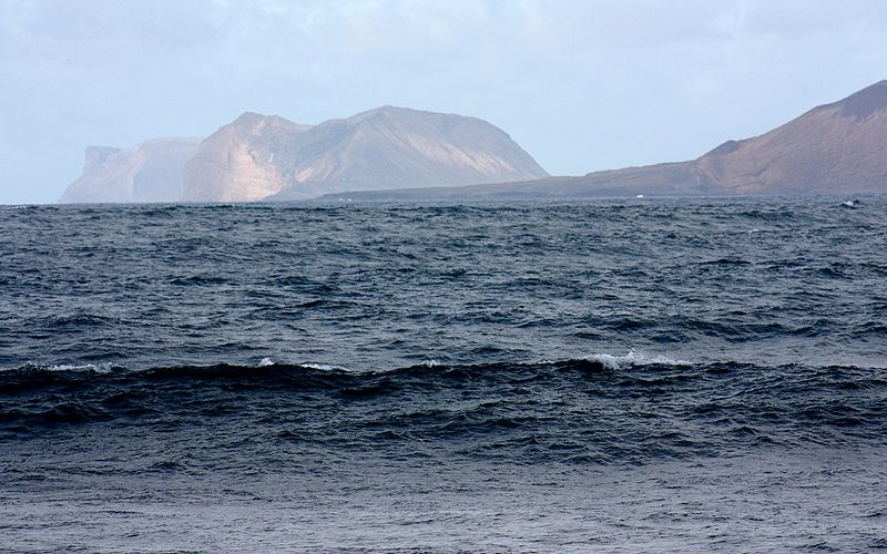 File:La Caleta de Famara (Teguise), view to the island Graciosa.jpg