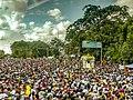 La Divina Pastora en la procesión con su gente.jpg