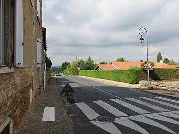 Lachassagne - Route des Bois d'Alix (sept 2018).jpg