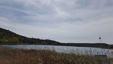 Laguna de ruidera de frente.jpg
