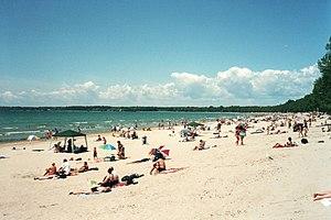 300px-Lake_Ontario_-_Sandbanks_Provincial_Park_2001.jpg
