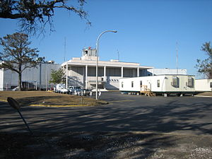 Lakefront Airport - Main terminal in late 2005, before restoration