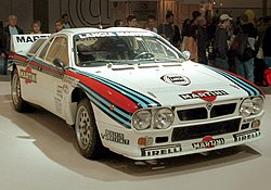 Attilio Bettegan Lancia 037 -ralliauto