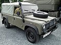 Land Rover Defender 4.jpg
