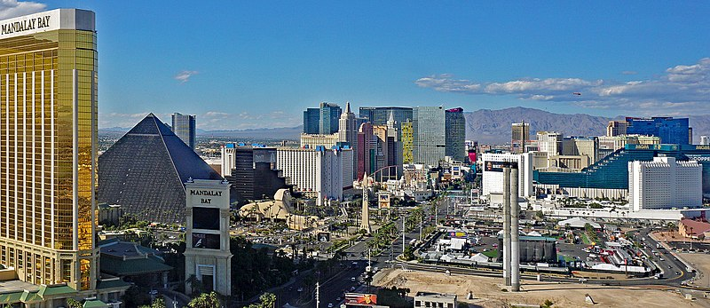 Las Vegas Strip shooting site 09 2017 4968.jpg