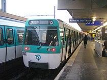 Le MF 77 N° 079 à Châtillon-Montrouge sur la ligne 13.JPG