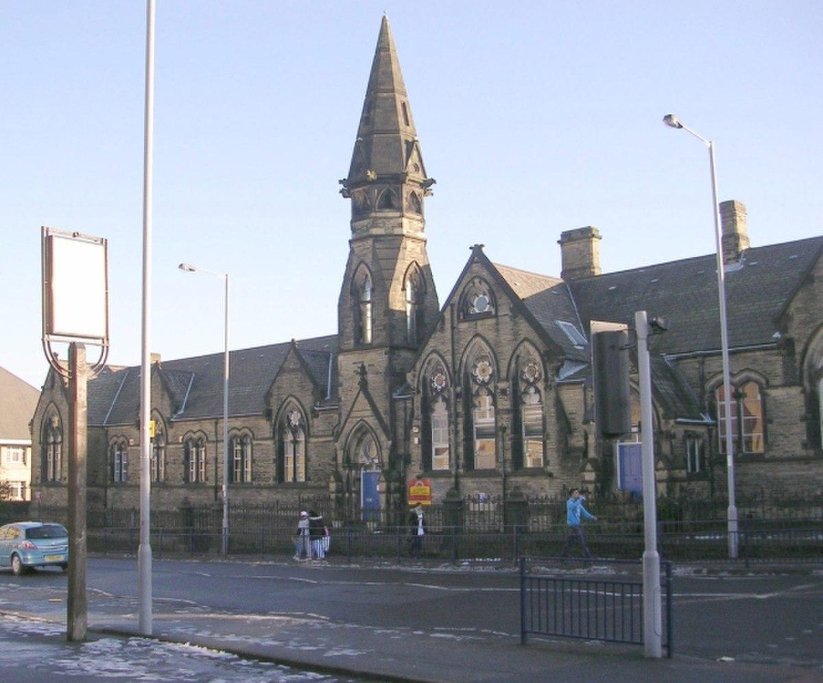 Lilycroft Primary School - Lilycroft Road - geograph.org.uk - 1071900.jpg