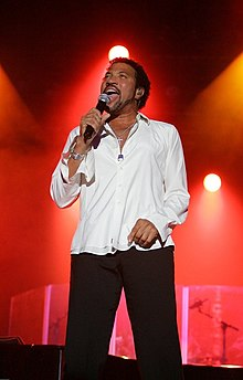 Lionel Richie performing at the Chumash Casino Resort in Santa Ynez, California on July 6, 2006