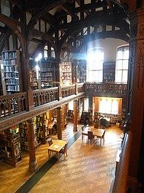 Llyfrgell Sant Deiniol and Gladstone's Library Hawarden Penarlâg 33.JPG