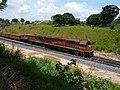 Locomotivas de comboio que saía sentido Guaianã do pátio da Estação Ferroviária de Itu - Variante Boa Vista-Guaianã km 201 - panoramio (1).jpg