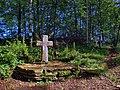Lomont-sur-Crête, la croix de Saint Ermenfroi.jpg