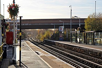 Aintree railway station - Image: Looking south, Aintree railway station (geograph 3786870)