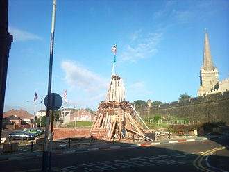 Apprentice Boys of Derry - Bonfire in Derry's Fountain estate for the Relief of Derry celebrations