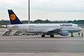 Lufthansa, D-AIZM, Airbus A320-214 (16430931336).jpg