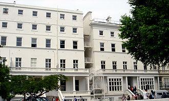 Lycée Français Charles de Gaulle - 27–29 Cromwell Road.