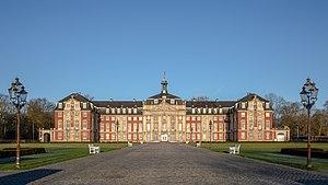 Münster, Fürstbischöfliches Schloss -- 2018 -- 1930-31 (cropped).jpg