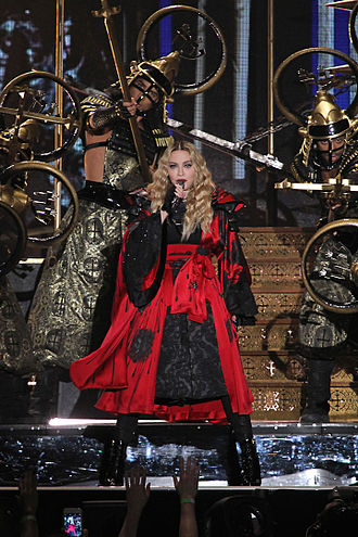 Iconic (song) - Madonna performing the song during the Rebel Heart Tour