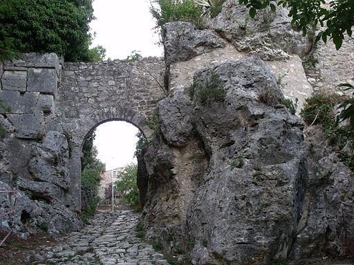 Saturnia, Mura, Porta Romano