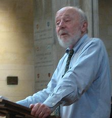 Marcus Borg speaking in Mansfield College chapel.JPG