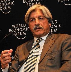 Masood Sharif Khan Khattak - Image: Masood Sharif Khan Khattak at World Economic Forum 2009