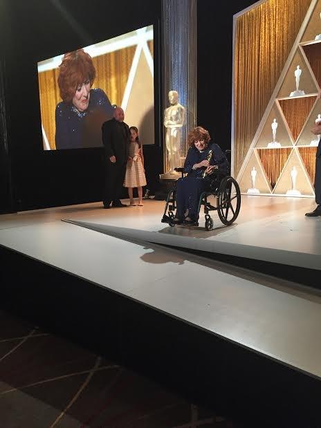 Maureen O'Hara receives Oscar for Lifetime Achievement - 2014