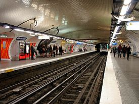 Metro de Paris - Ligne 3 - Republique 02.jpg