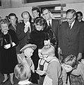 Mevrouw Kennedy bezoekt Burgerweeshuis te Amsterdam, Bestanddeelnr 913-5640.jpg