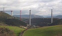 Millau Viaduct construction south.jpg