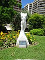 Monaco statue (34899263554).jpg