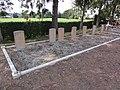Monceau-Saint-Waast (Nord, Fr) cimetière tombes de guerre CWGC.jpg