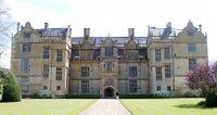 Montacute House front Apr 2002.JPG