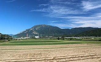 Mount Ibuki - Image: Mount Ibuki (from Maibara Kashiwabara)