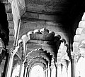 Mughal art and architecture in red fort Diwan e aam.jpg
