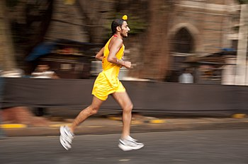 English: A participant in the Mumbai marathon 2011