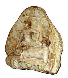 Rilievo marmoreo con scena di accoppiamento (da una caupona pompeiana)