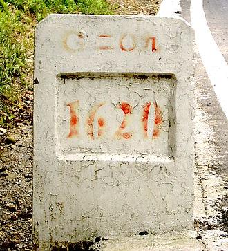 Chinese numerals - Image: Muyu G209 1620km 5469 crop
