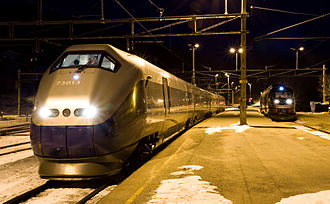 NSB Class 73 - Class 73A (left) and Class 93 train at Dombås Station