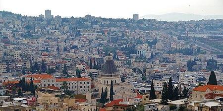 Nazareth Blick auf die Verkündigungskirche 1.JPG