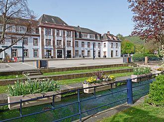Niederbronn-les-Bains - Former De Dietrich central office and Falkensteinerbach river