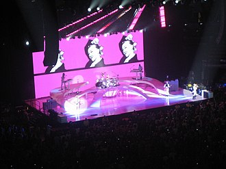 2009 Summer Tour - The band performing in Toronto